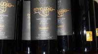 Rótulo Omaggio na garrafa